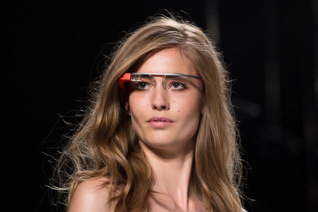 Google Glass at a Diane von Furstenberg Show by GadgetHelpLine